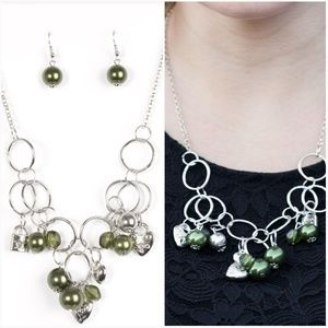 I'M IN A BIND GREEN NECKLACE/EARRING SET